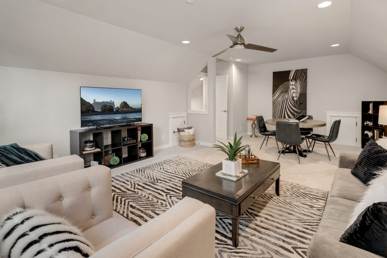 Beautiful Living Room in Neutral Colors